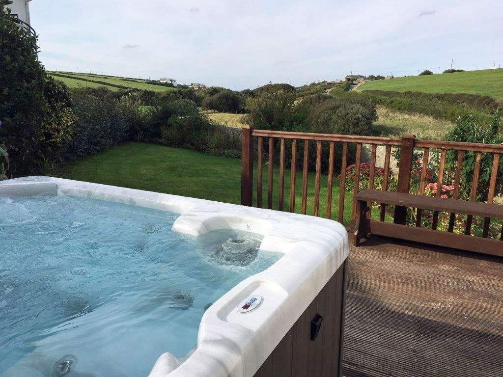 Swell Faqs About Hot Tub Cottages Co Uk Hot Tub Cottages Co Uk Download Free Architecture Designs Scobabritishbridgeorg